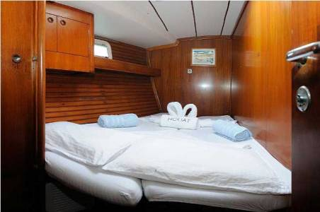 Sailboat Van Hout 2 Cabins Full Board Exclusive