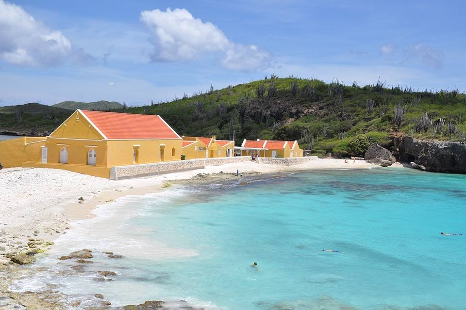 Yellow houses in Bonaire